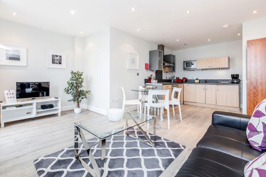 Thames Edge Apartments - Staines, United Kingdom