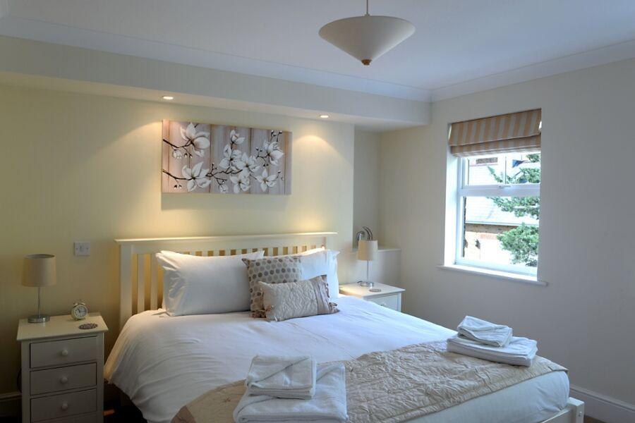 Alexander La Roche Apartment - Richmond, West London