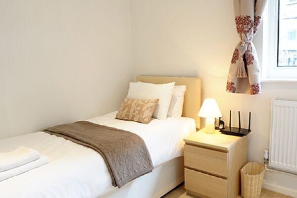 Single Bedroom, Lichfield Gardens Apartment, Richmond