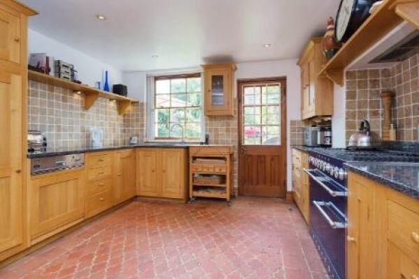 Kitchen, Englefield Road Serviced Apartments, Islington, London