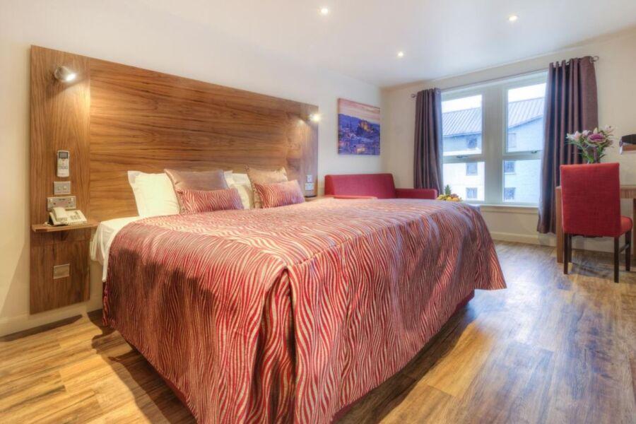 Holyrood Apartments - Edinburgh, United Kingdom