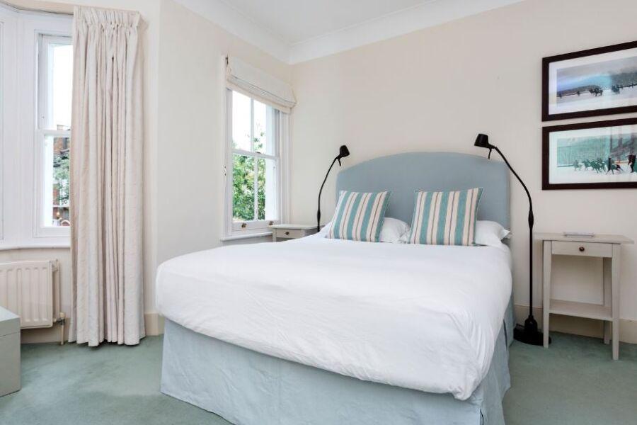 Campana Road Apartment - Fulham, West London