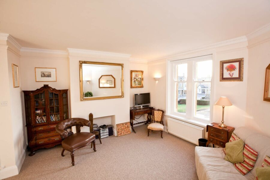 Abbey Court Apartment - Sherborne, Dorset