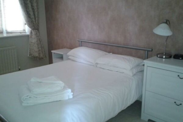 Bedroom, Maidenbower  Serviced Apartments, Crawley