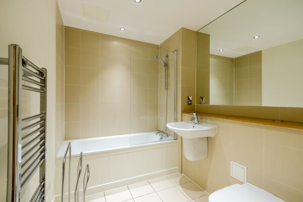 Bathroom, Stamford Street Serviced Apartments, Lambeth