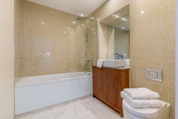 Bathroom, Lincoln Plaza Serviced Apartments, Canary Wharf