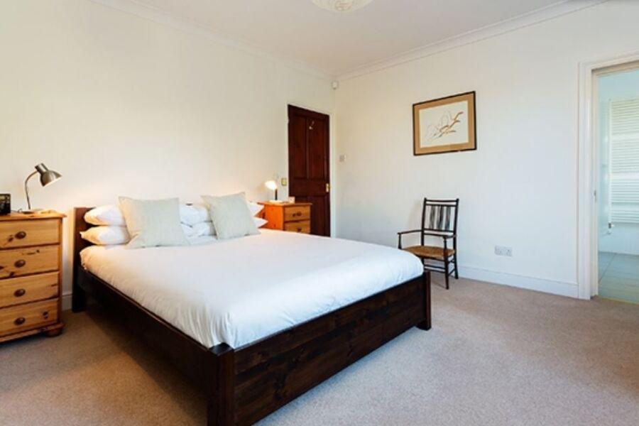 Keats Grove Accommodation - Hampstead, North London