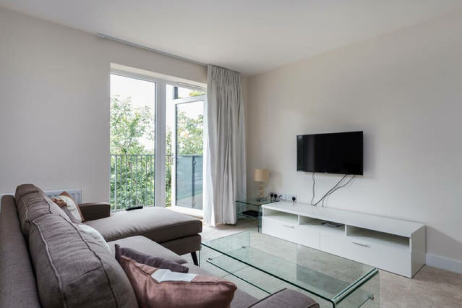 Gazette Court Apartment - Colindale, North London