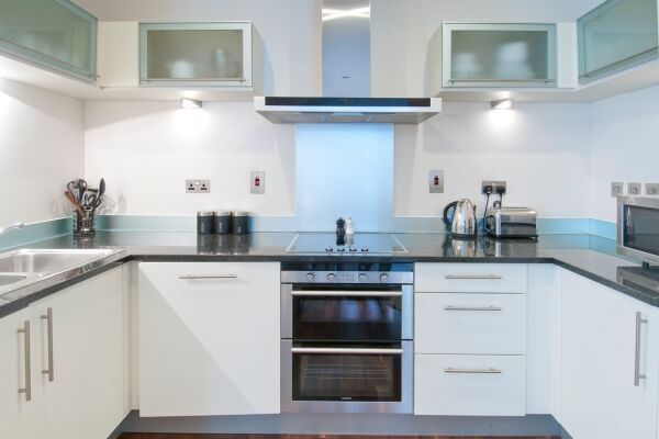 Kitchen, Discovery Dock Serviced Apartments, Canary Wharf, London