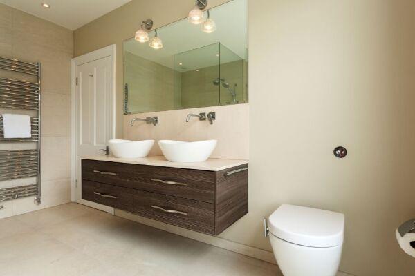 Bathroom, Offord Road Serviced Apartments, Islington, London