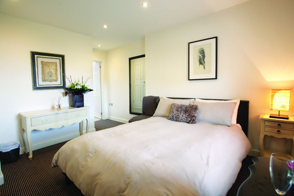 Bedroom, Victoria Mansions Serviced Apartments, Weston-super-Mare
