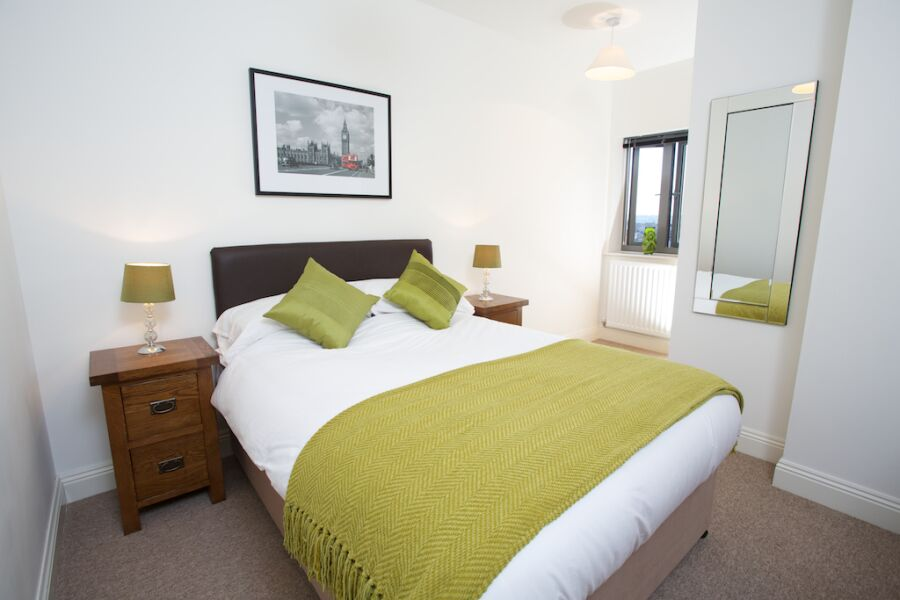 Yeovil serviced apartments situ for Bedroom furniture yeovil