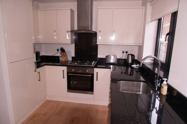 Kitchen, Crompton House Serviced Apartments, High Barnet