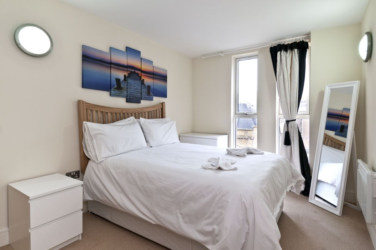 Bedroom, Great Suffolk Street Serviced Apartments, Southwark, London