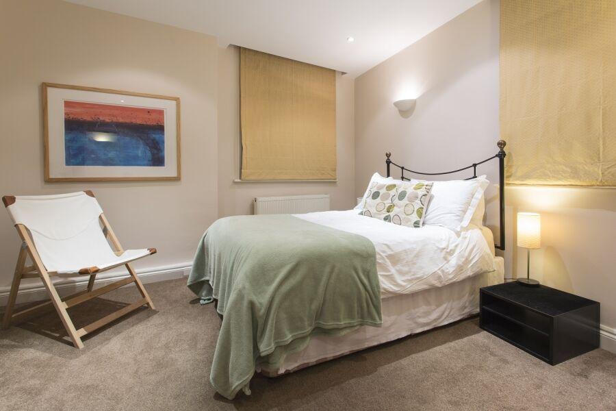 Abbotts Chambers Accommodation - Liverpool Street, The City