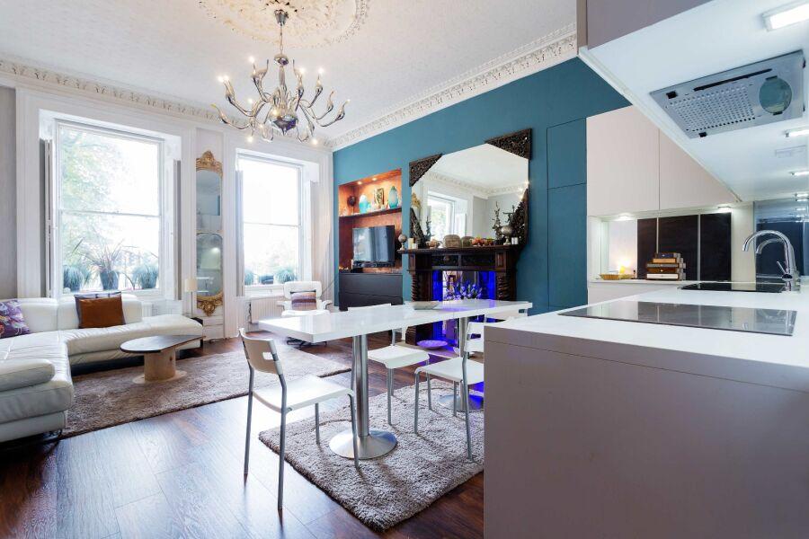 Clapham Common Apartment