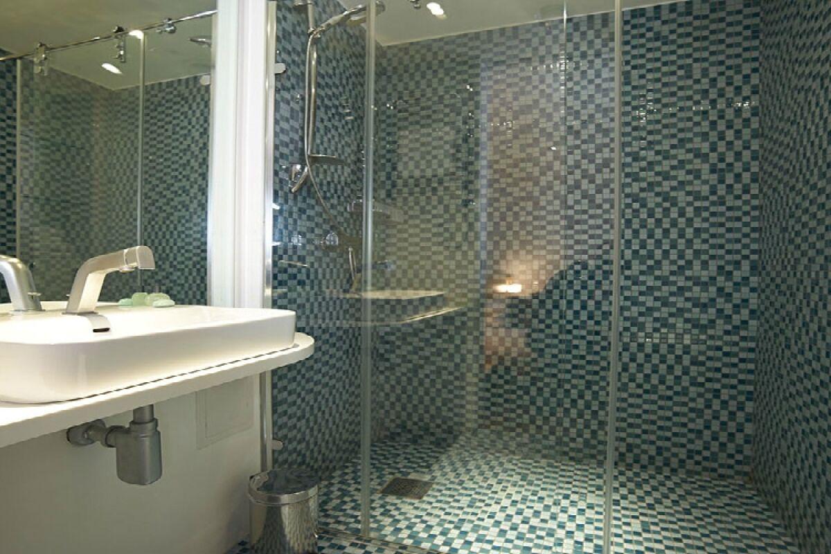 Bathroom, Bermondsey Street Serviced Apartments, London