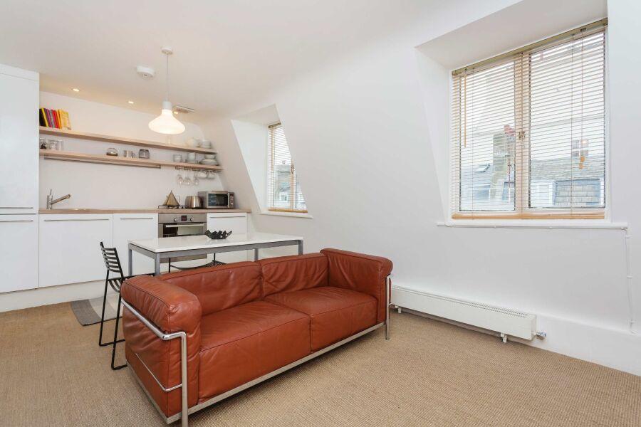 Warrington Crescent Apartment