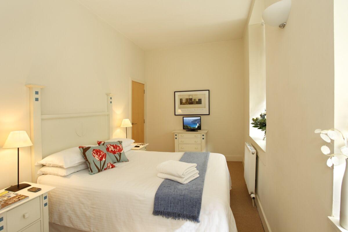 Bedroom, Cochrane Street Serviced Apartments, Glasgow