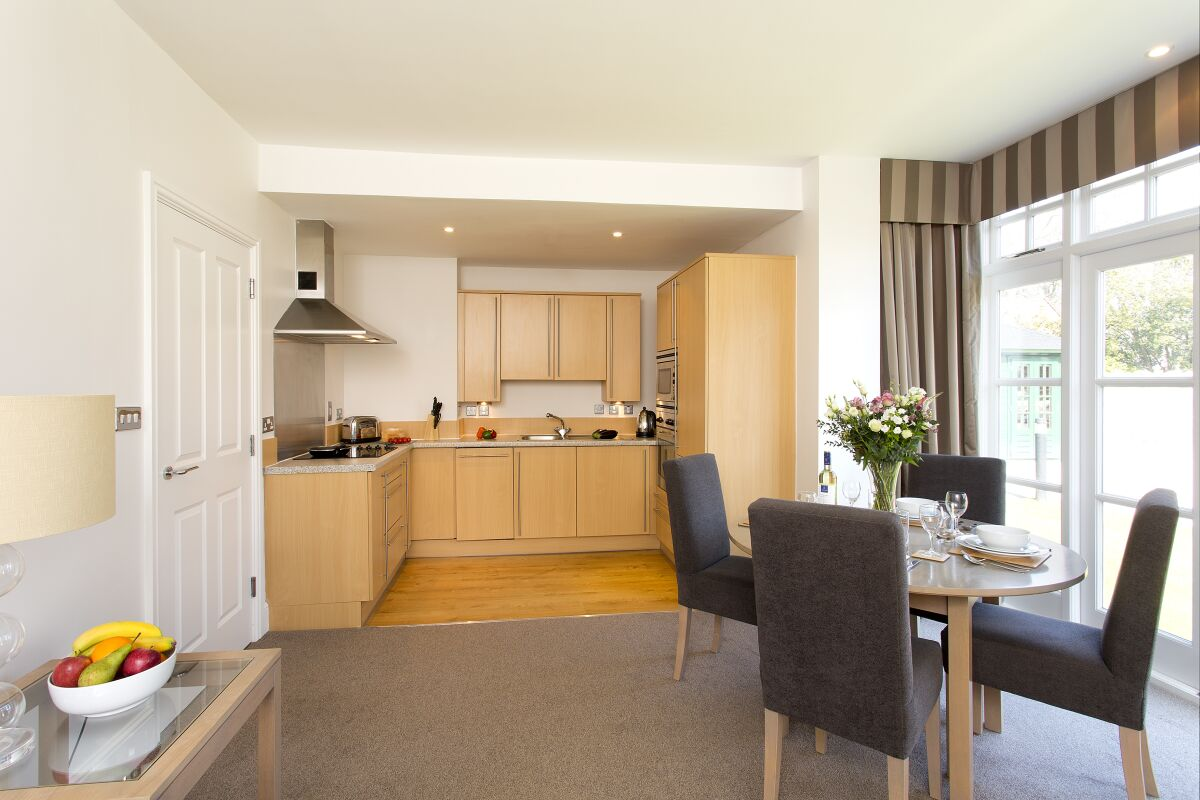 Kitchen, Cathedral Road Serviced Apartments, Cardiff