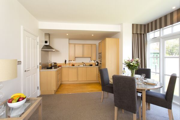 Kitchen, Cathedral Road Serviced Apartments, Cardiff - thumbnail