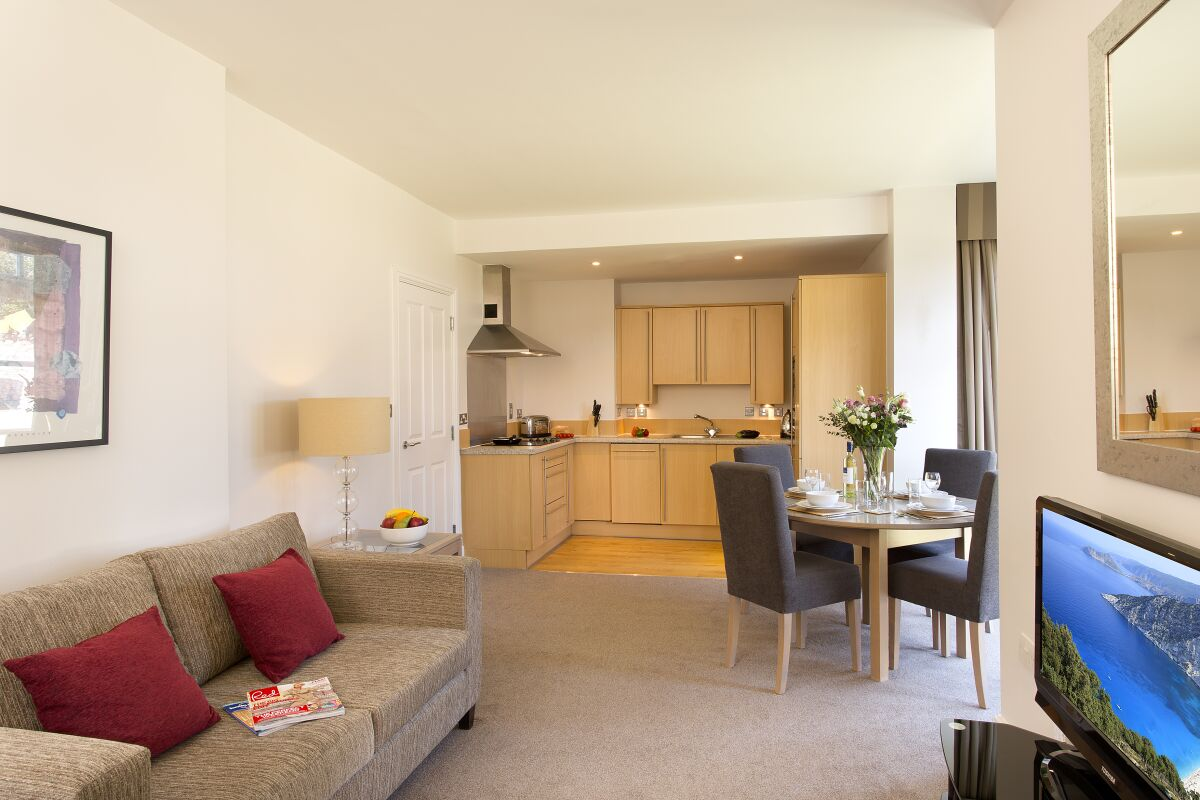 Living Area, Cathedral Road Serviced Apartments, Cardiff