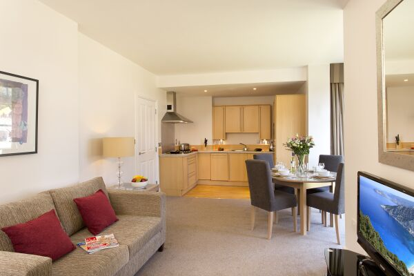 Living Area, Cathedral Road Serviced Apartments, Cardiff - thumbnail