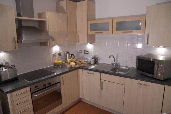 Kitchen, Deansgate Quay Serviced Apartments, Manchester