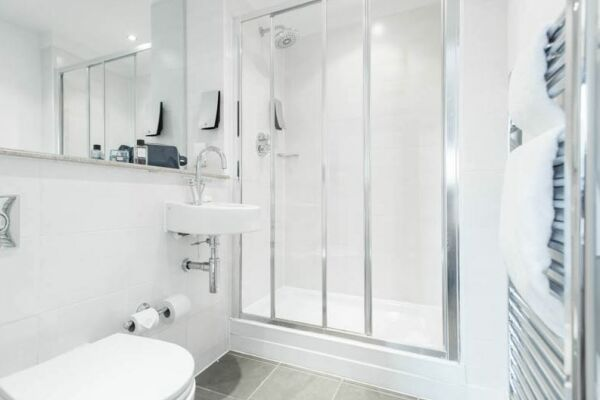 Bathroom, Manchester Premier Serviced Apartments, Manchester