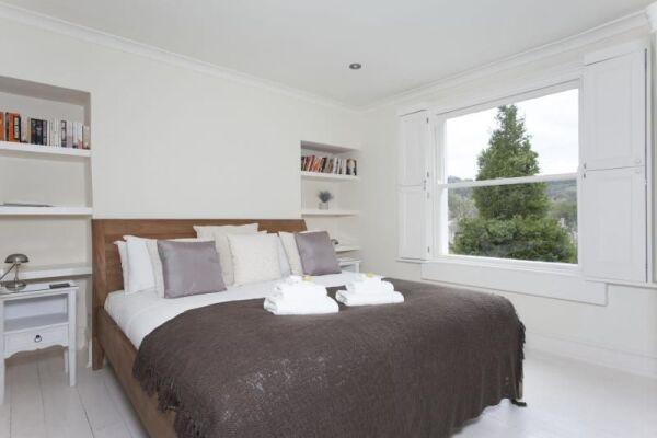 Bedroom, Prior Park Cottages Serviced Accommodation, Bath