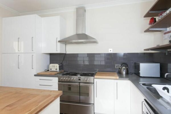 Kitchen, Avonleigh House Serviced Accommodation, Bath