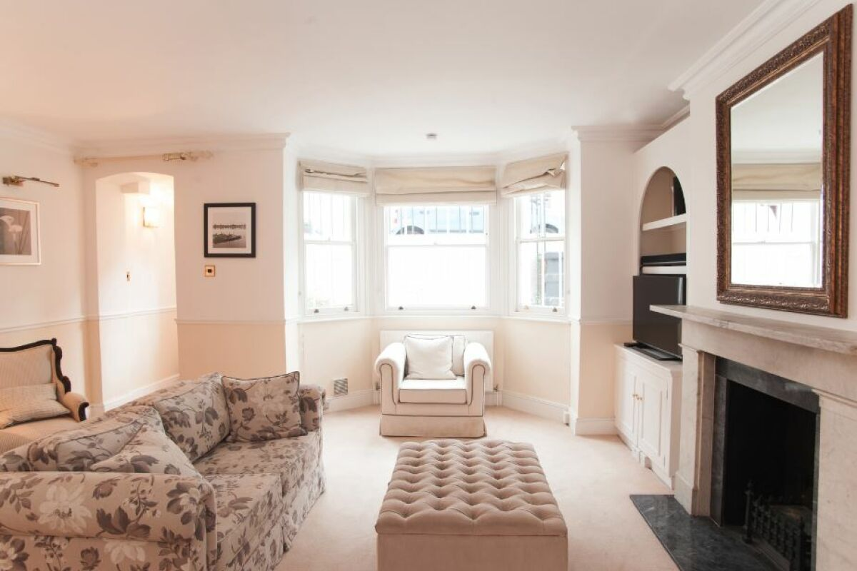 Living Area, Redesdale Street Serviced Apartment, Chelsea, London
