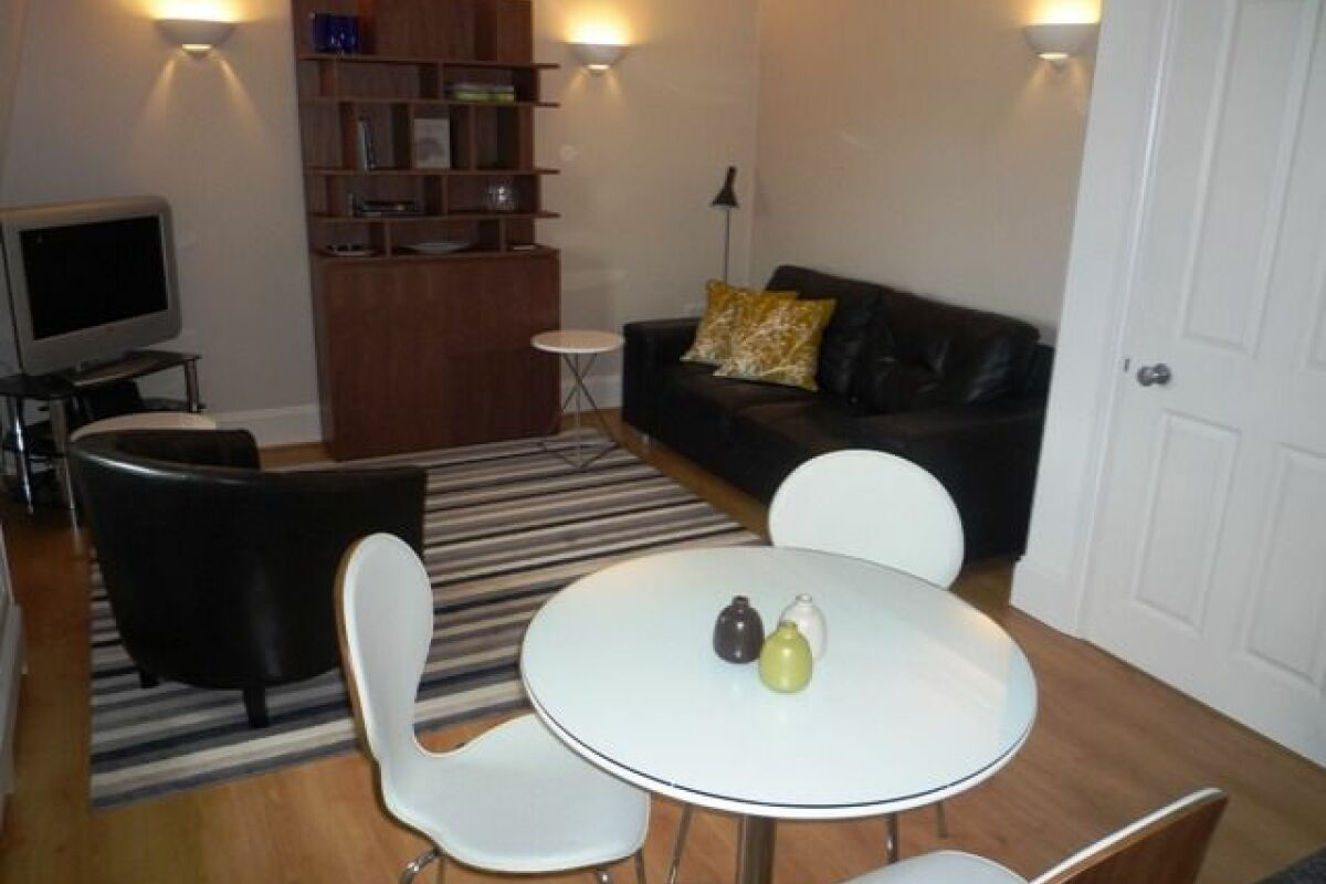 Living Area, Herschel Heights Serviced Accommodation, Bath