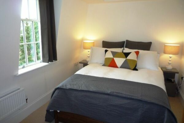 Bedroom, Herschel Heights Serviced Accommodation, Bath