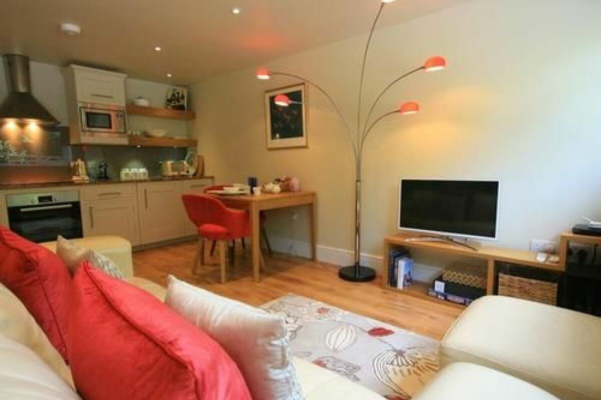 Living Area, Larchmont Lodge Serviced Accommodation, Bath