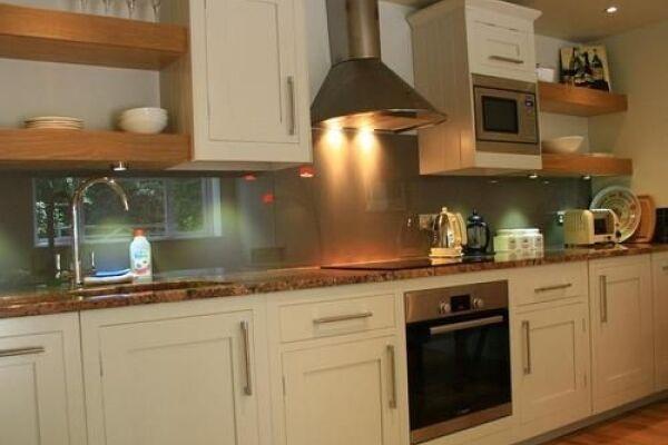 Kitchen, Larchmont Lodge Serviced Accommodation, Bath
