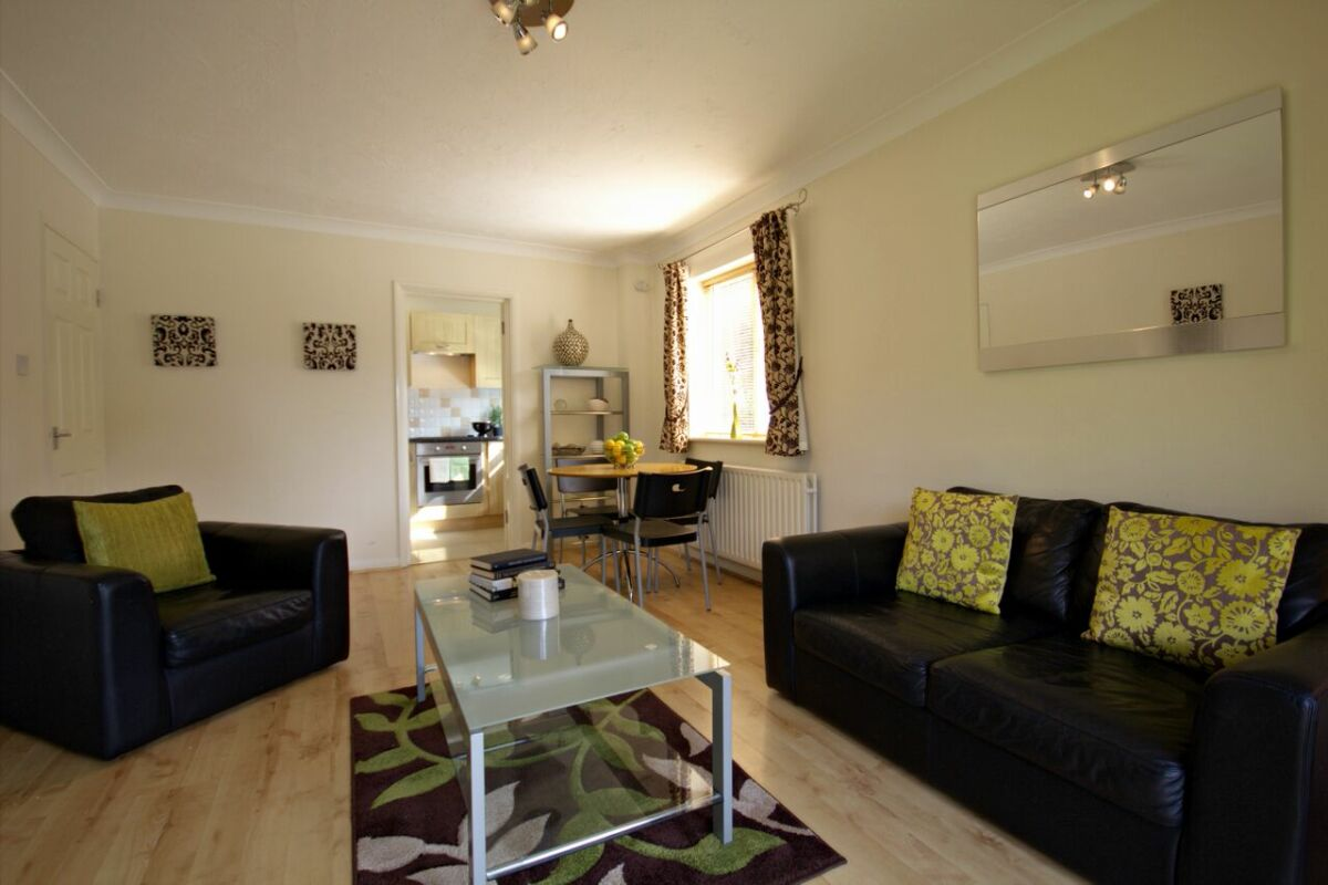 Living Room, Acacia Court Serviced Apartments, Bracknell