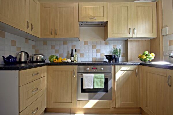 Kitchen, Acacia Court Serviced Apartments, Bracknell