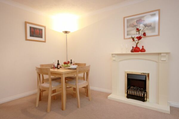 Dining Area, Bevan Gate Serviced Apartments, Bracknell
