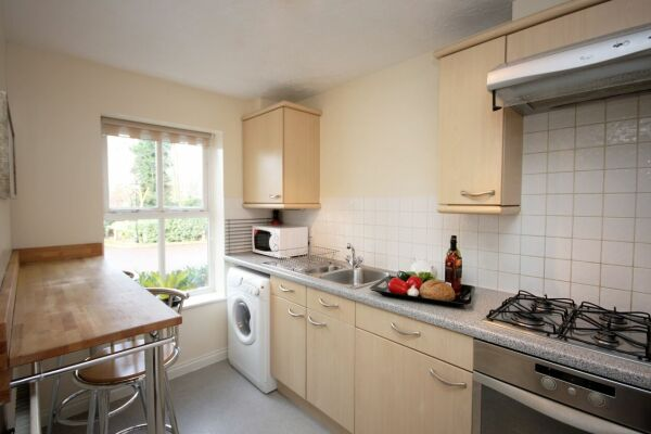 Kitchen, Bevan Gate Serviced Apartments, Bracknell