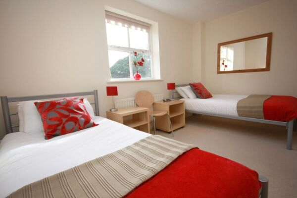 Twin Bedroom, Bevan Gate Serviced Apartments, Bracknell