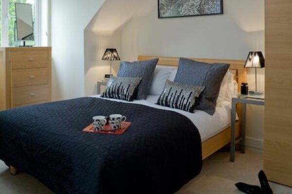 Bedroom, Darwin Place Serviced Apartments, Bracknell