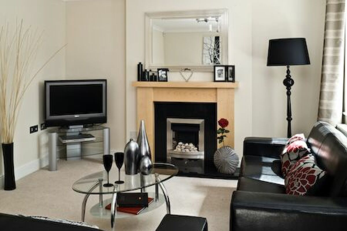 Living Room, Darwin Place Serviced Apartments, Bracknell