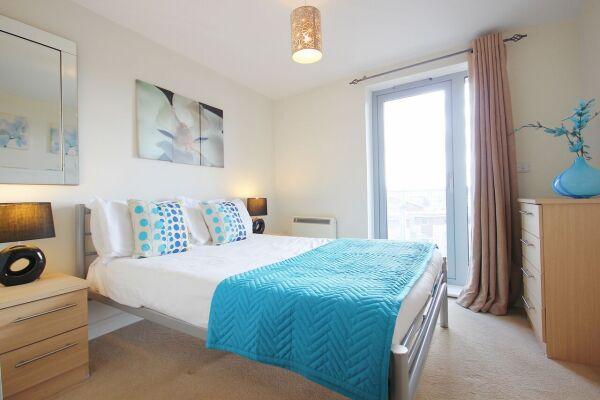 Bedroom, Kelvin Gate Serviced Apartments, Bracknell