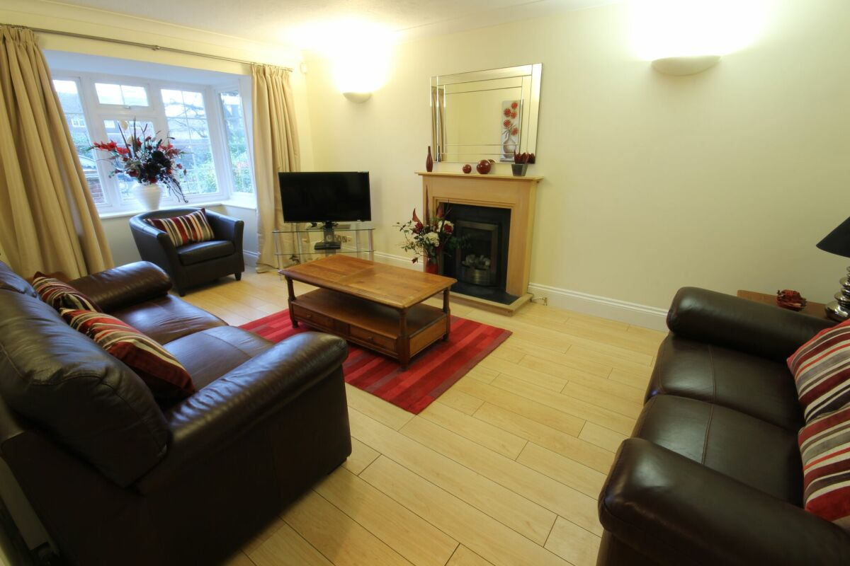 Living Room, The Poppies Serviced Apartments, Bracknell
