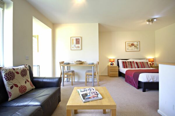 Living Area, Boxford Ridge Studios Serviced Apartments, Bracknell