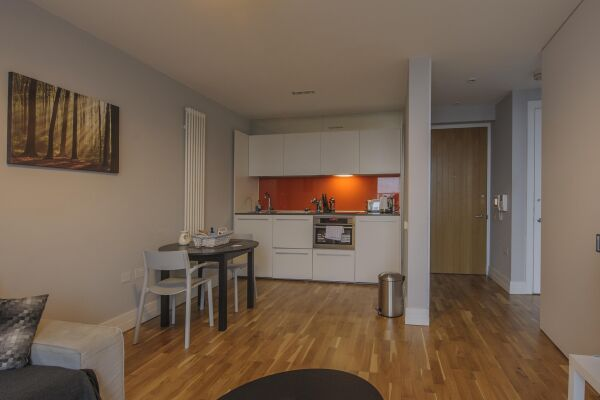 Kitchen, Arcus Serviced Apartment, Leicester