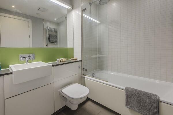 Bathroom, Arcus Serviced Apartment, Leicester
