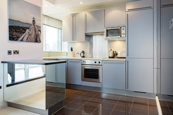 Kitchen Area, Grosvenor Road Serviced Apartment, Westminster