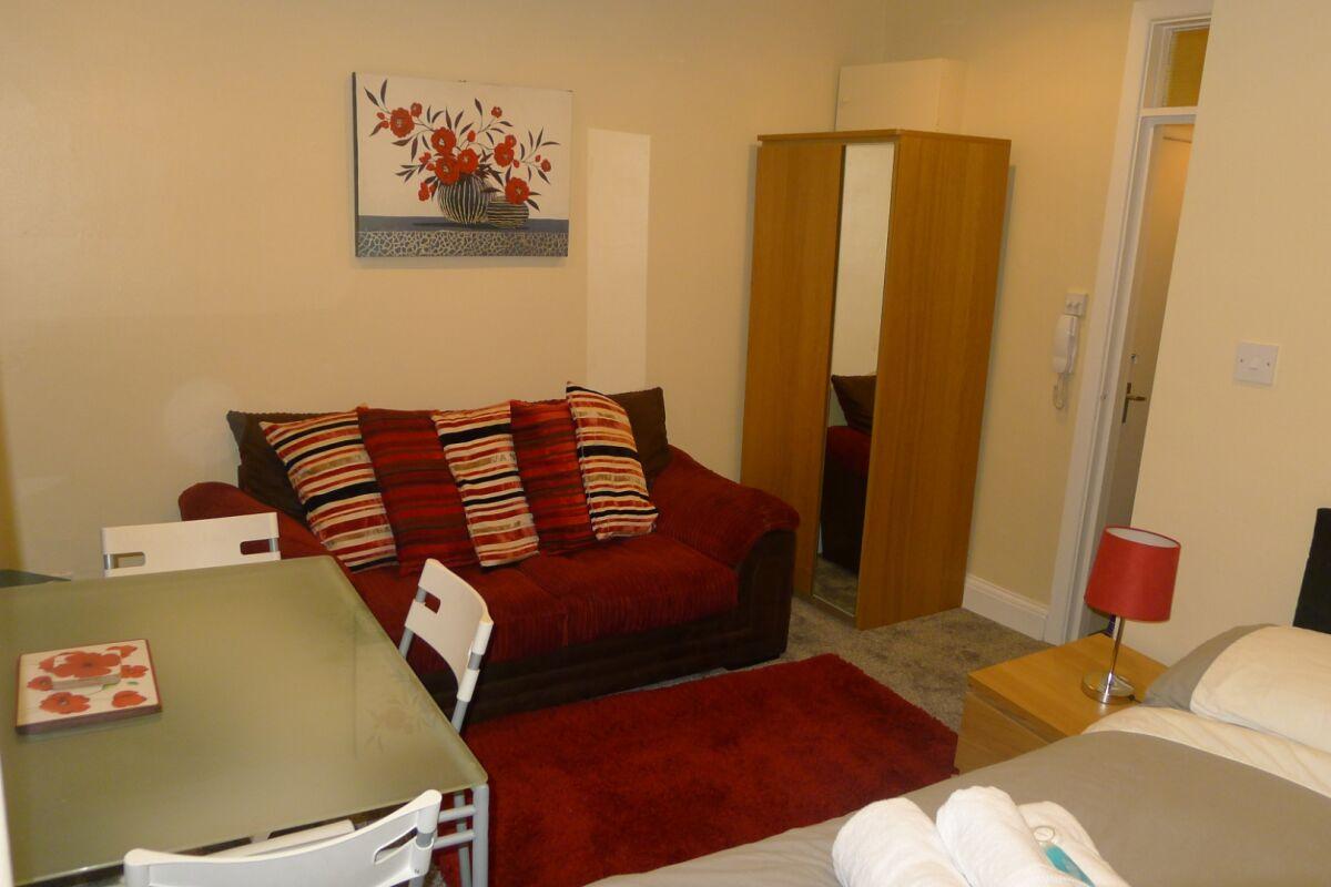 Living Area, Regent Studio Serviced Apartments, Leamington Spa